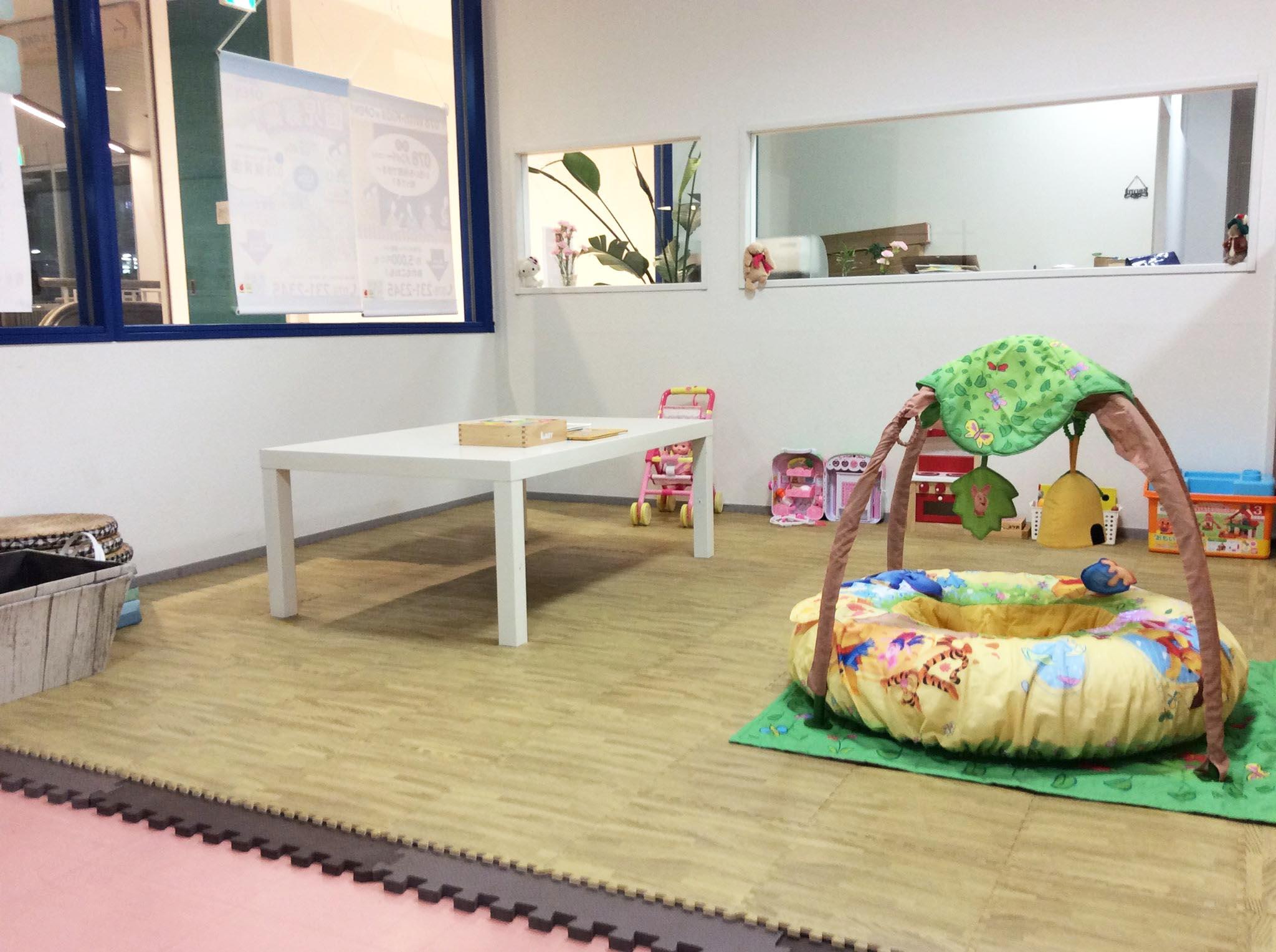 神戸・三宮の託児スペース 室内2
