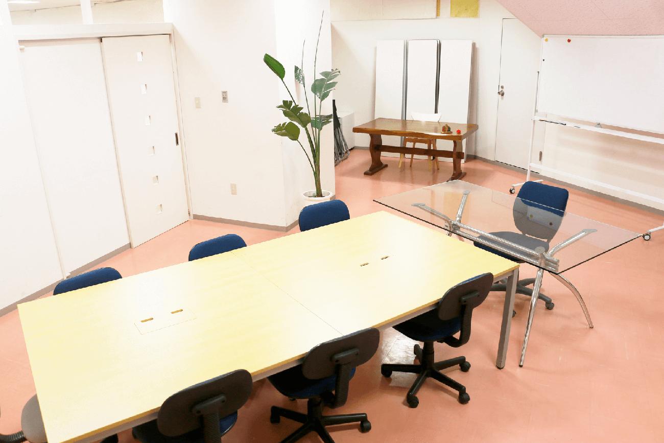 神戸・三宮のコワーキングスペース、レンタルスペースセッションルーム2