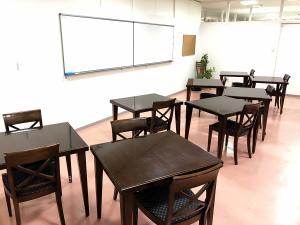 神戸・三宮のコワーキングスペース レンタルスペース会議室204