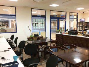 コワーキングスペースの机|三宮神戸エリアのレンタルスペース会議室