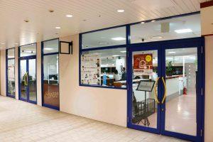 コワーキングスペースの入り口正面|三宮神戸エリアのレンタルスペース会議室